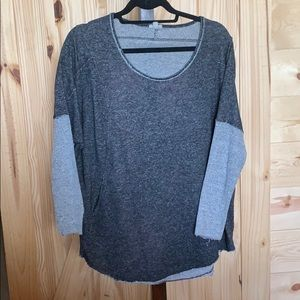 Urban outfitters cozy long sleeve w front pocket